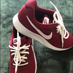 Nike Tanjun Shoes